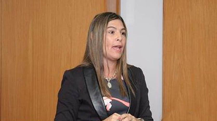 Yanina Yzet